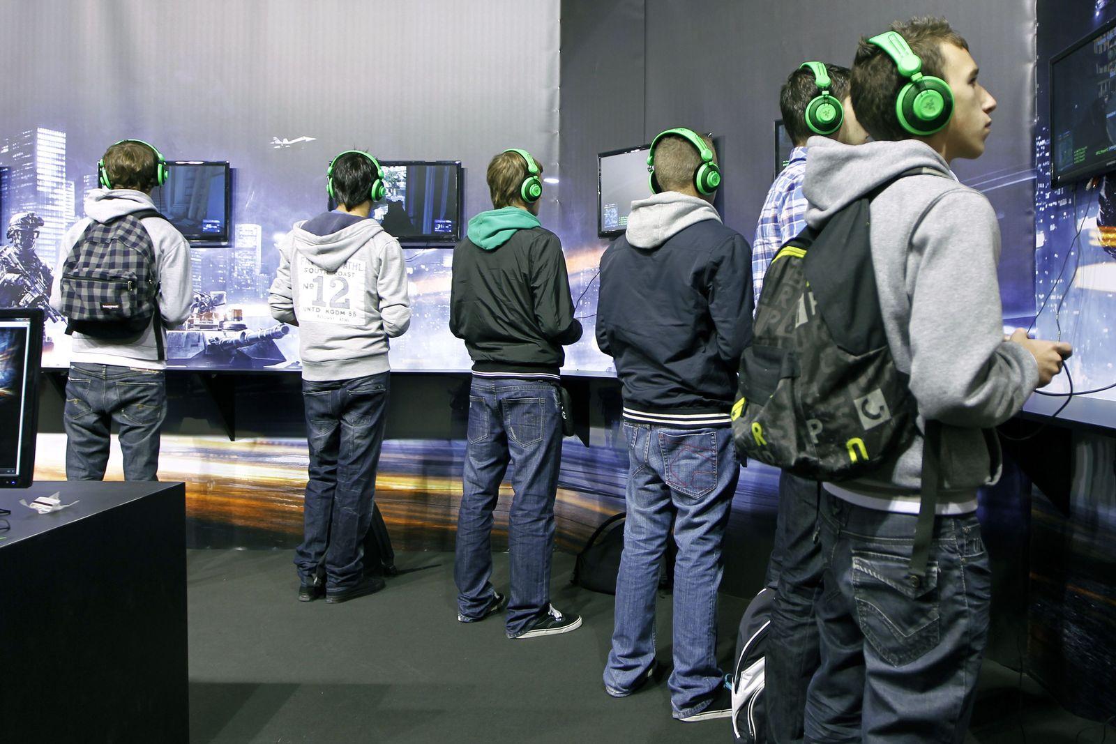 NICHT MEHR VERWENDEN! - Games Week 2011