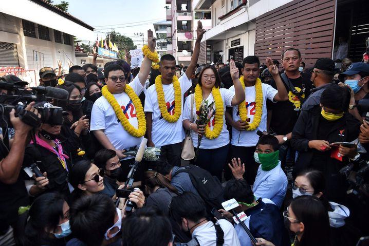 Protestführer in Bangkok, die der Majestätsbeleidigung beschuldigt werden: »Eine klare Haltung zur Demokratiebewegung«