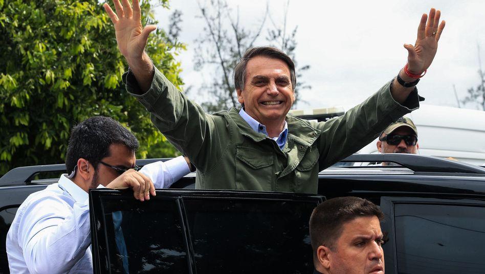 Siegerpose: Jair Bolsonaro am Wahltag