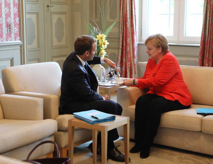 Emmanuel Macron und Angela Merkel (Archivaufnahme)
