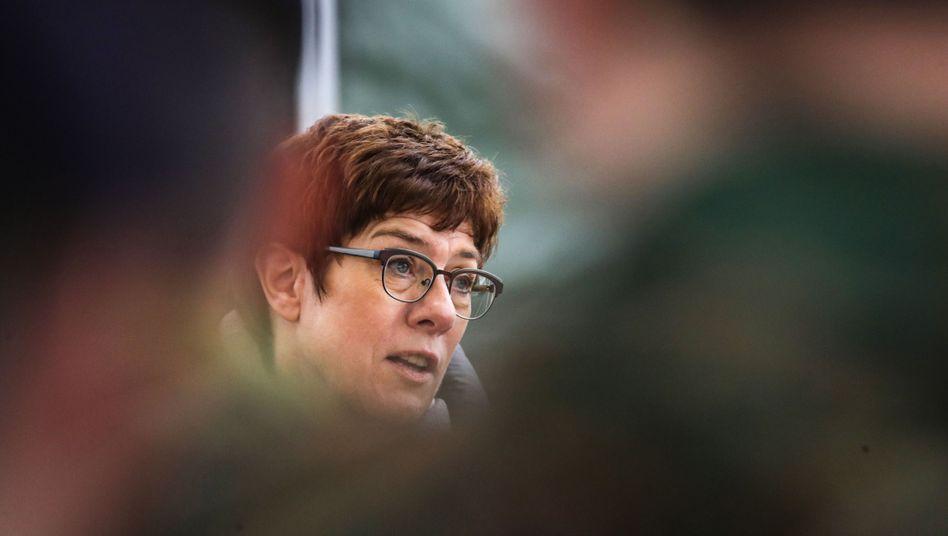 Annegret Kramp-Karrenbauer: Ärger mit dem Social-Media-Account der Bundeswehr
