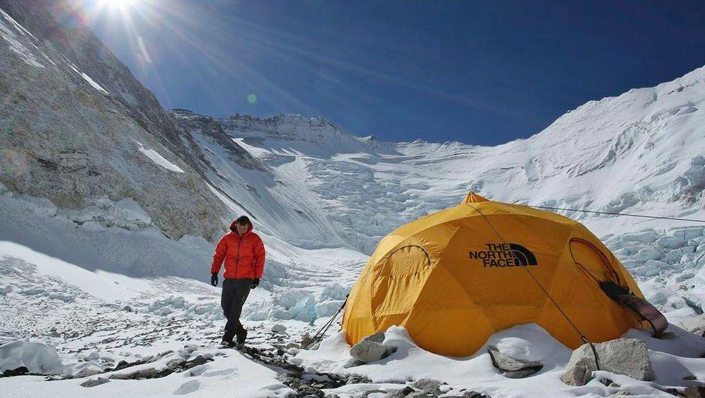 Himalaja: Prügelei am Mount Everest
