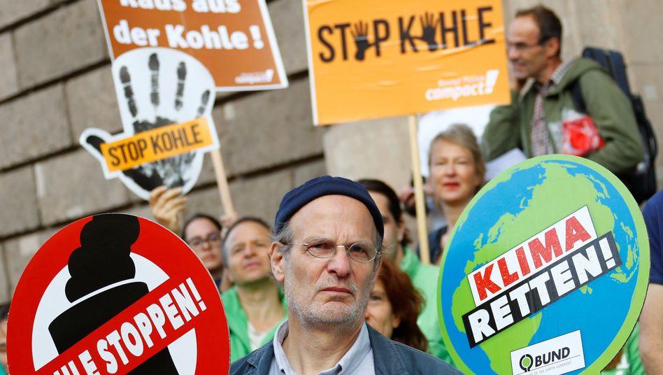 Demonstranten vor dem Bundeswirtschaftsministerium (Archiv)