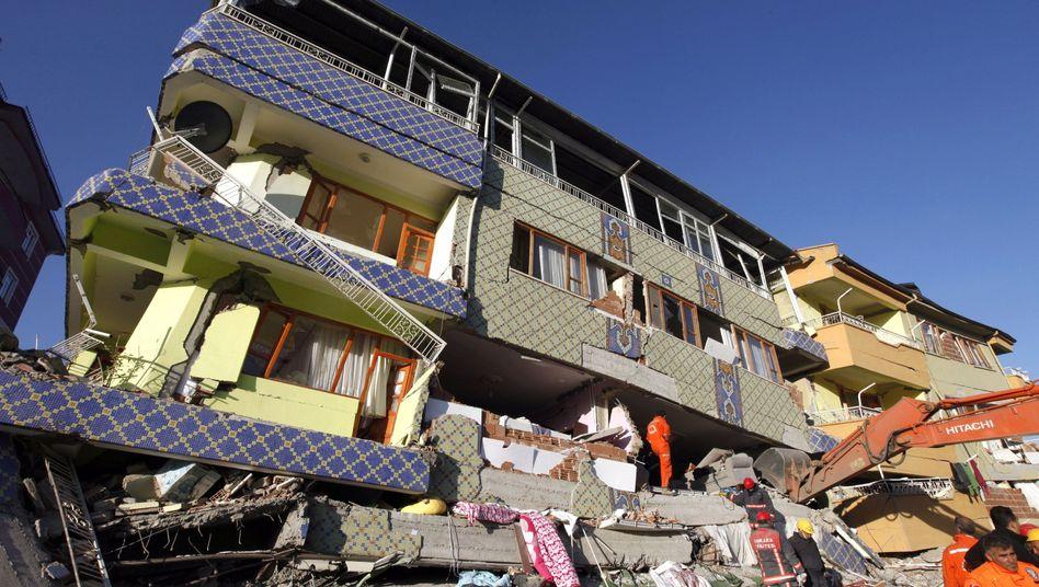"""Erdbeben in der Osttürkei: """"Unsere Stadt liegt in Trümmern"""""""