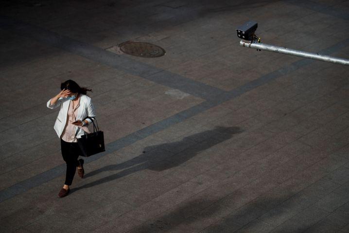 In der Coronakrise weiten Staaten weltweit die Überwachung aus