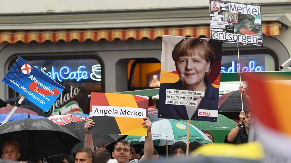 Protest bei Wahlkampfveranstaltung der CDU in Torgau (Sachsen)
