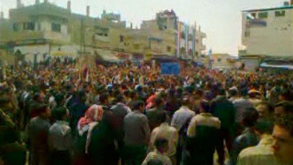 Demonstration in Daraa: Allein hier sollen 22 Menschen getötet worden sein