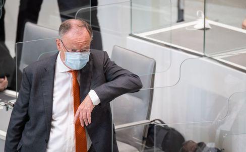 Ministerpräsident Stephan Weil (SPD) im Landtag von Niedersachsen