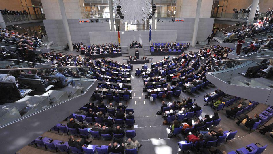 Abgeordnete des Bundestages (Archivbild): Lange um Gesetzentwurf gerungen