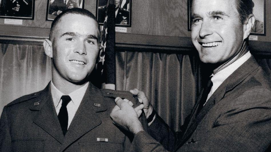 Sohn, Vater Bush 1968