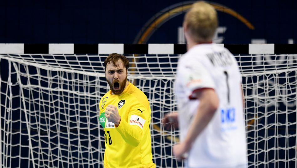 Torwart Andreas Wolff jubelt im Spiel gegen Algerien