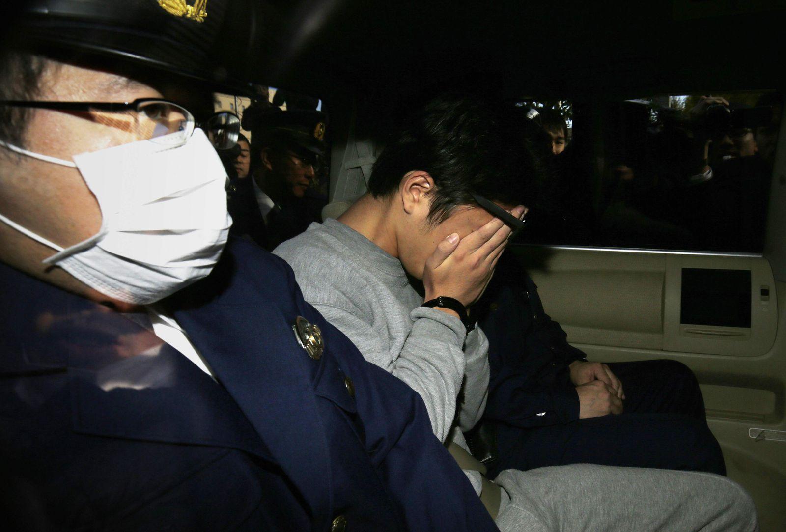 FILES-JAPAN-SOCIAL-SUICIDE-CRIME