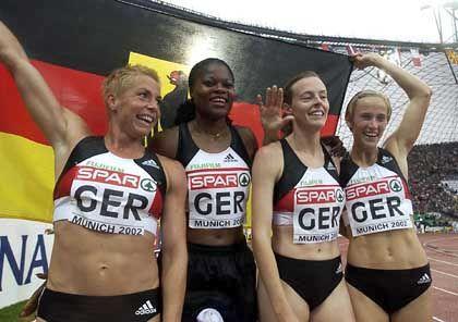 Die deutsche Gold-Staffel: Grit Breuer, Florence Ekpo-Umoh, Birgit Rockmeier and Claudia Marx (v.l.)