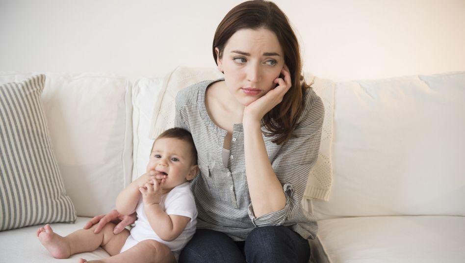 Junge Mutter: Depression statt Mutterglück