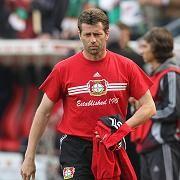Trainer Skibbe: Bye, Bye Bayer