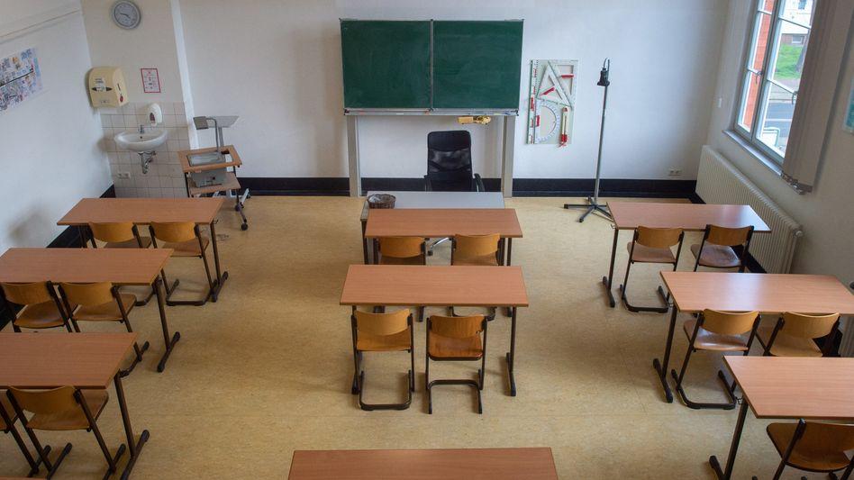 Leere Klassenzimmer, weil der Inzidenzwert zu hoch ist: Das soll es künftig in Sachsen nicht mehr geben (Symbolbild)