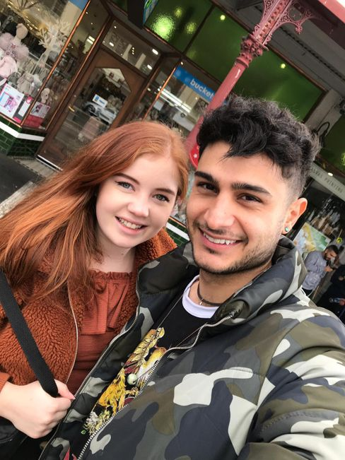 Anna Schramm und Benjamin Gharibi