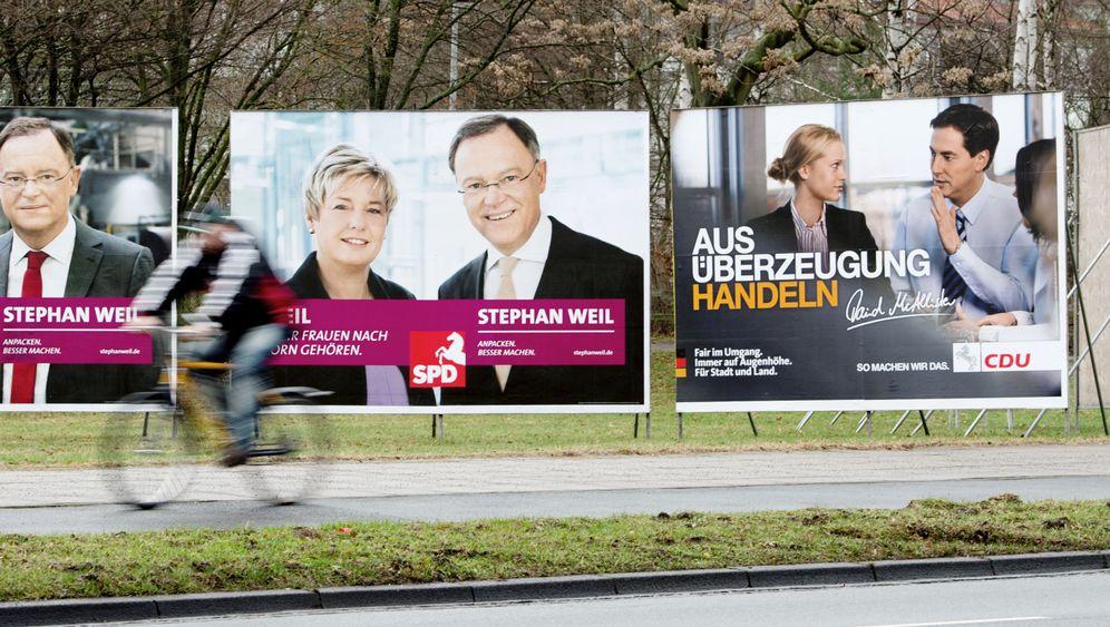 Fotostrecke: Ministerpräsident auf Megaplakat