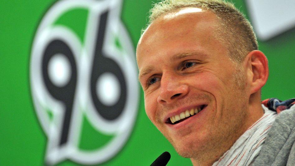 Hannover-Torwart Miller: Elf Wochen stationäre Behandlung