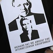 Symbolfiguren der Kritiker: Innenminister Wolfgang Schäuble steht für Netz-Überwachung, Familienministerin Ursula von der Leyen für Zensur