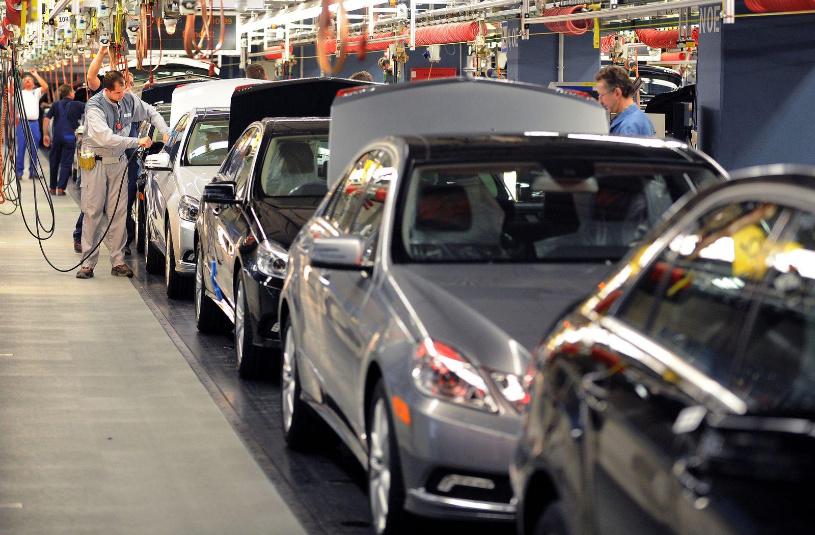 Mercedes E-Klasse Produktion in Sindelfingen