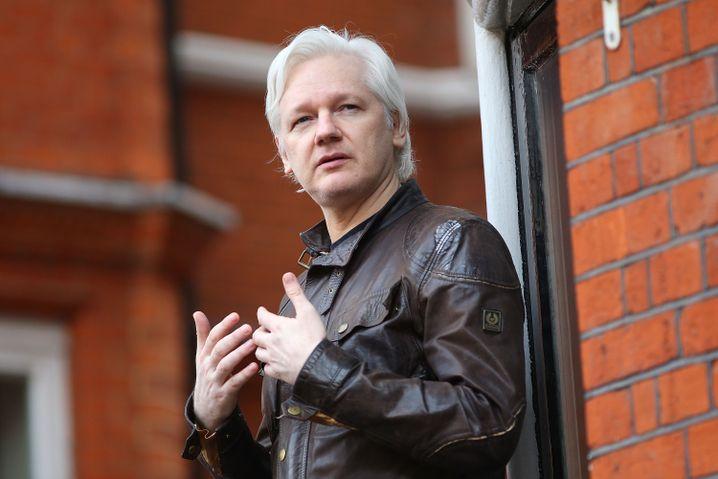 Julian Assange in der Botschaft Ecuadors in London, 2012