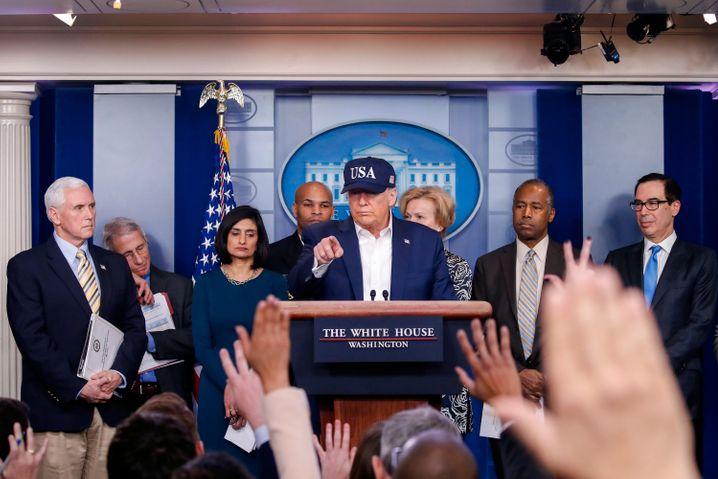 Donald Trump bei einer seiner Pressekonferenzen im Weißen Haus: Ersatz für öffentliche Wahlkampfauftritte