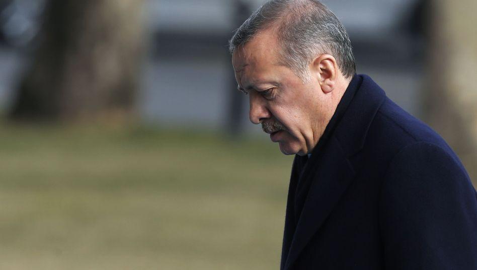 Erdogan: Ein anonymer Informant veröffentlichte mehrmals korrekte Voraussagen über bevorstehende Razzien
