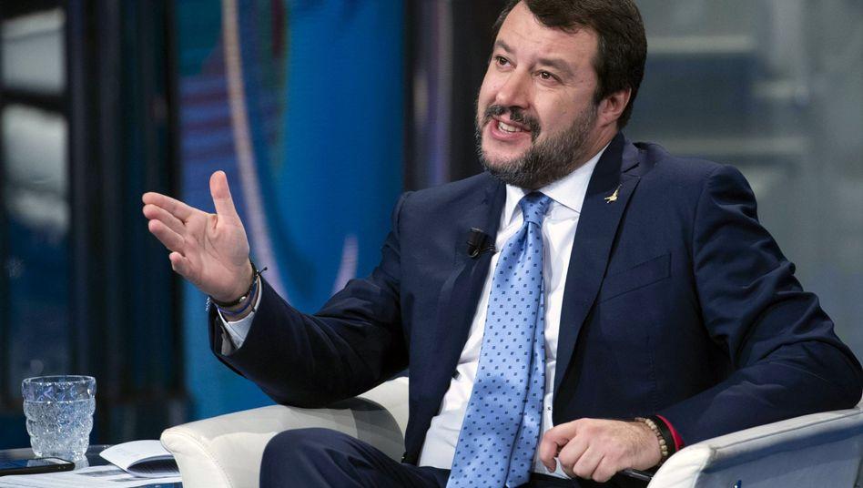 "Matteo Salvini: ""Kauft italienischen Zucker, kauft italienische Haselnüsse, kauft italienische Milch."""