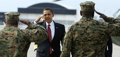 Der Präsident und seine Truppen: Barack Obama und US-Marines auf einem Stützpunkt in North Carolina