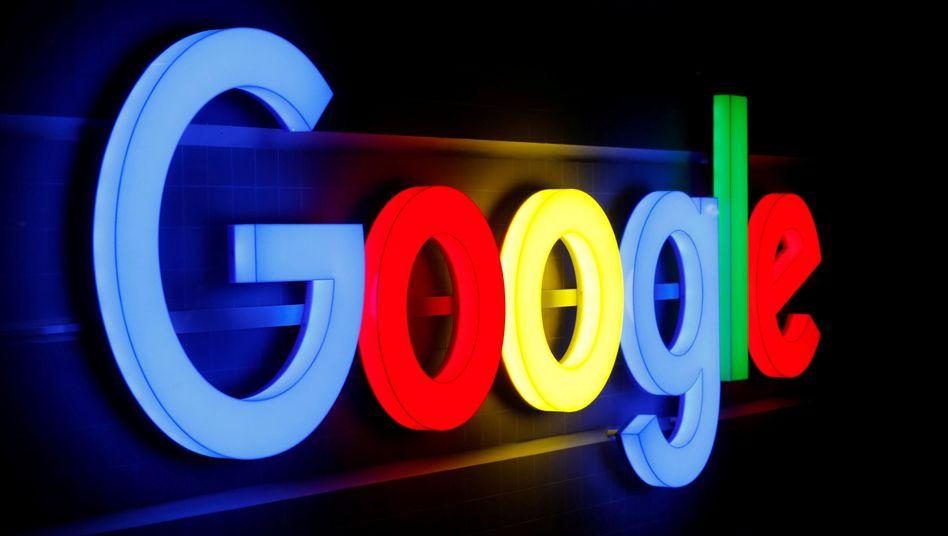 Illuminiertes Google-Zeichen in Zürich