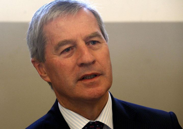 Deutsche-Bank-Chef Jürgen Fitschen 2011 vor dem Münchner Gericht