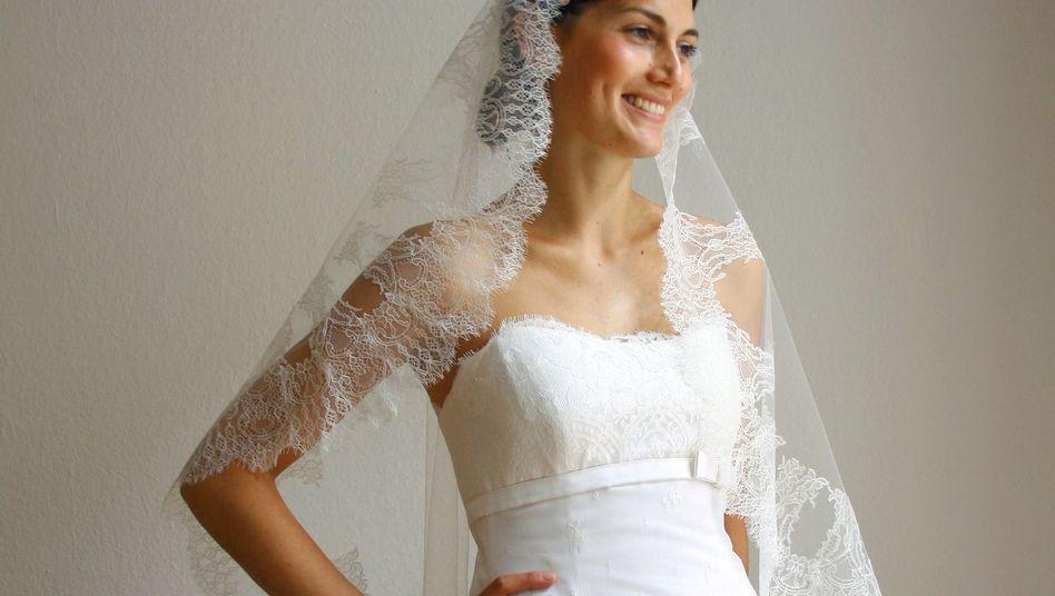 Autorin Lisa Seelig am Hochzeitstag: Dresscode White Kleid