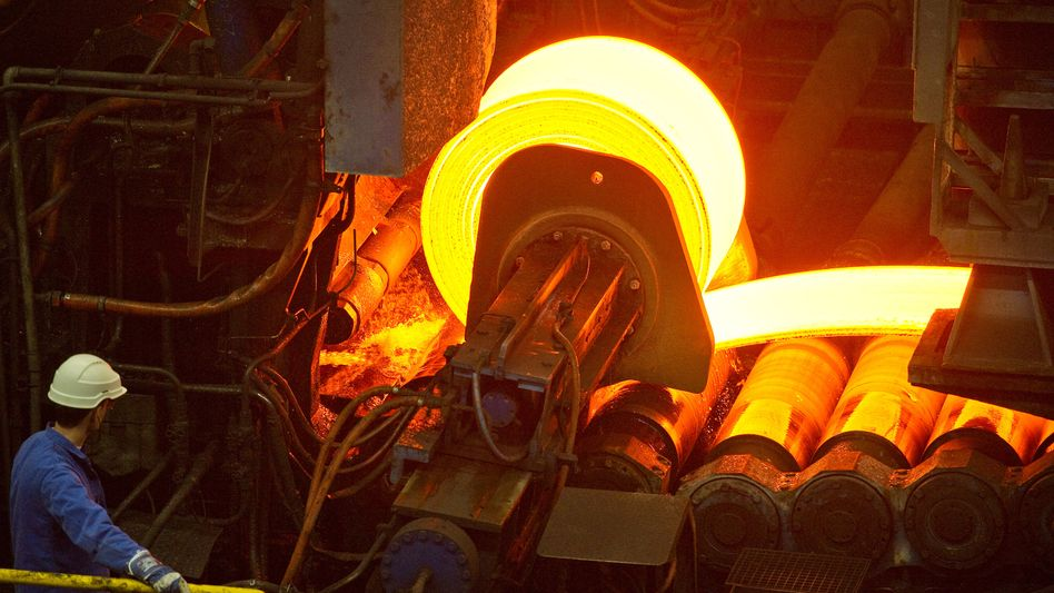 Arbeiter im Werk der ArcelorMittal: Überkapazitäten und niedrige Preise