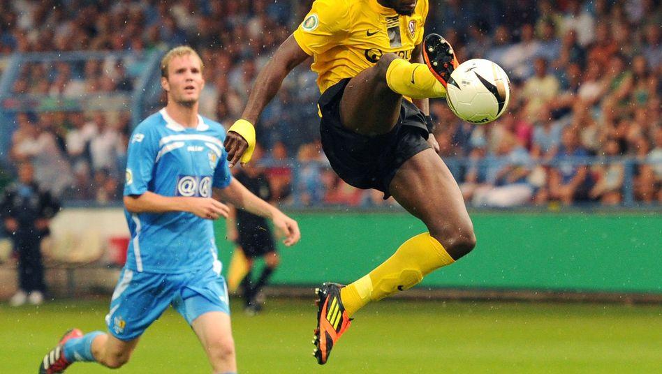 Dynamo-Stürmer Poté (r.): Mit Affenlauten diffamiert