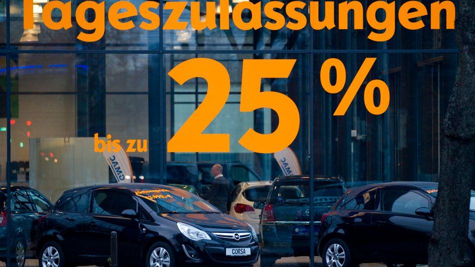 Opel-Autohaus: Derzeit geben Hersteller wieder hohe Rabatte