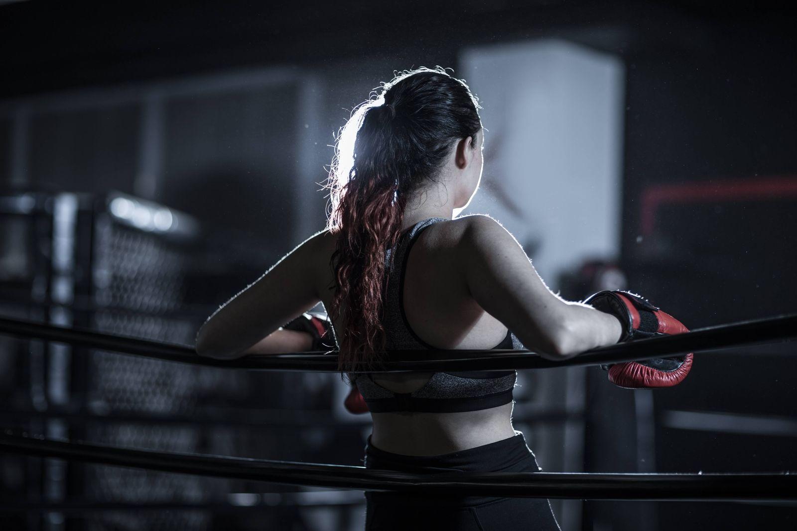 Female boxer in boxing ring model released Symbolfoto property released PUBLICATIONxINxGERxSUIxAUTxH