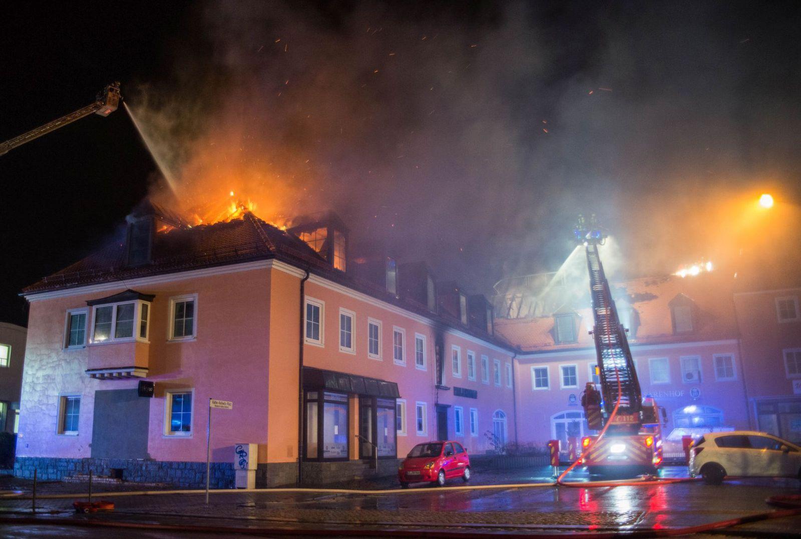 Flüchtlingsheim in Bautzen in Flammen