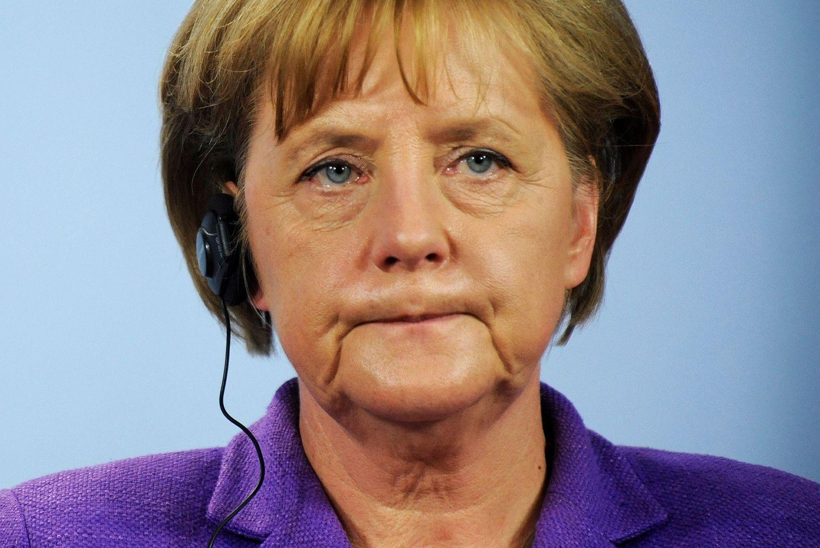 NICHT VERWENDEN Bundeskanzlerin Merkel aeussert sich zu Griechenlandhilfe