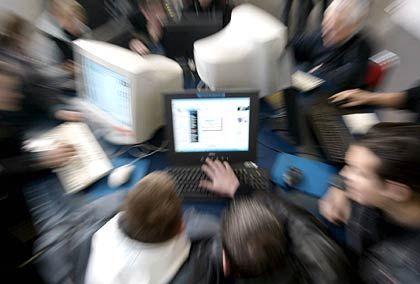 """Internetsurfer: """"Meinungsfreiheit massiv gefährdet"""""""