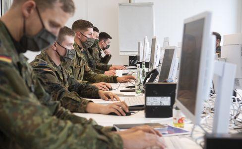 Soldaten helfen in der Region Hannover bei der Nachverfolgung von Corona-Infektionsketten