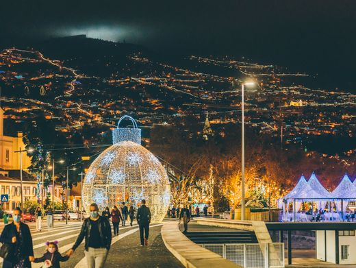 LED-Tunnel in Funchal: Überall blinkt es auf der Insel