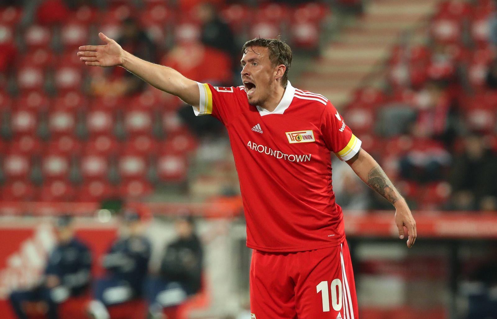 Max Kruse zeigend, gestikulierend / Aktion / Oberkoerper Oberkörper / / Fußball Fussball / DFL Bundesliga Herren / Sais