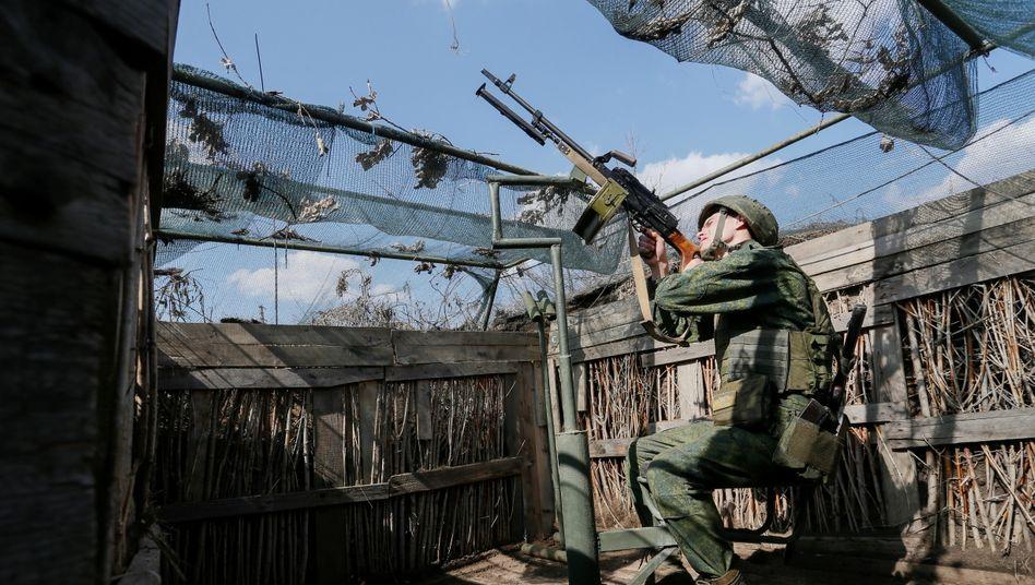 Ein prorussischer Kämpfer in der Region Donezk