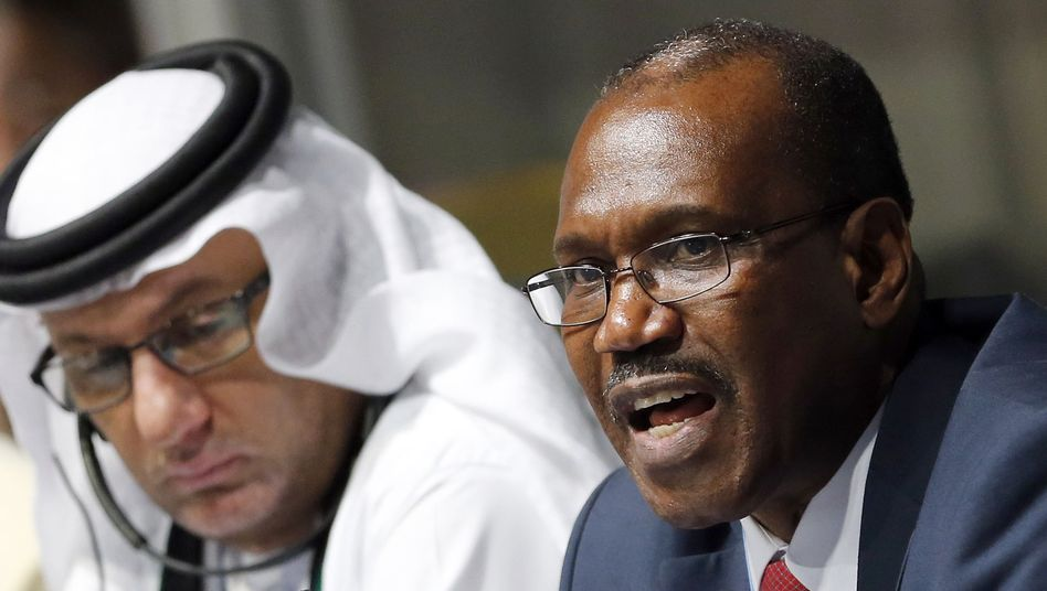 ITU-Generalsekretär Hamadoun Touré (r.), Konferenzvorsitzender al-Ghanim: Kein Konsens
