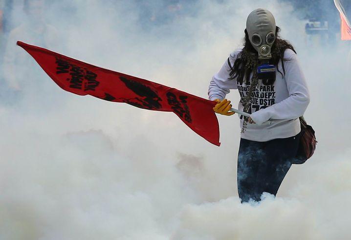 Demonstrant in Ankara: Kurden protestierten gegen die Syrienpolitik der Türkei