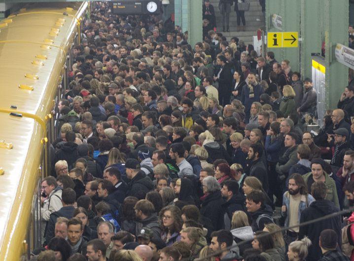 Berlin, U- Bahnhof Alexanderplatz