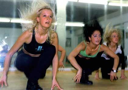 Frauen in Bremer Fitnessstudio (Archivbild): Aerobic als Risiko für Schwangerschaft