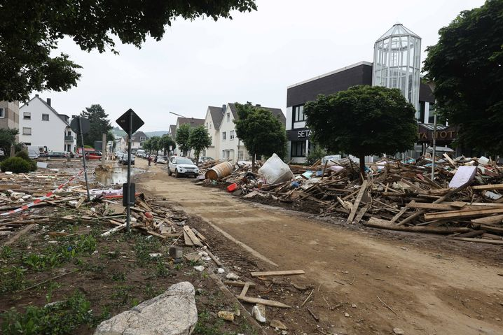 Alles auf Anfang: Zerstörter Straßenzug in Bad Neuenahr-Ahrweiler