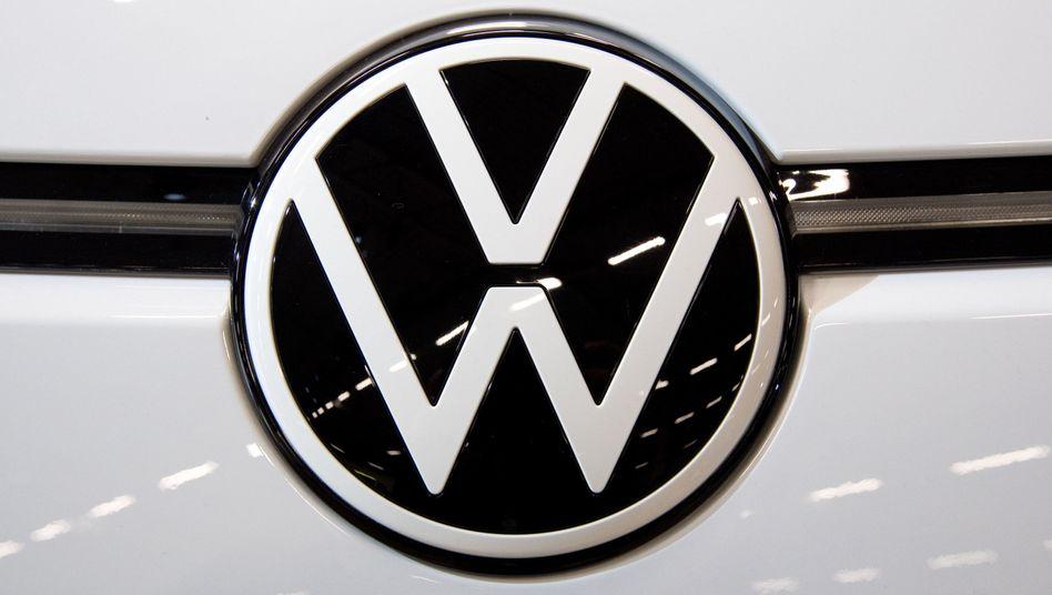 Das neue VW-Logo auf dem Elektroauto ID.3